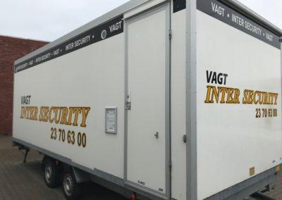 erhvervsreklame på overdækket trailer