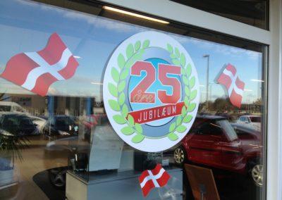 25 års jubilæums print til butiksvindue