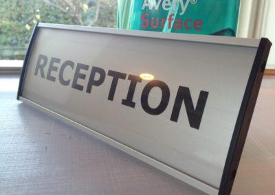 reception kontorskilt