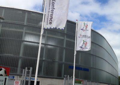 reklameflag foran virksomhed