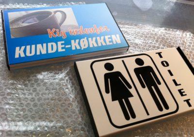 kundeskilt og toiletskilt