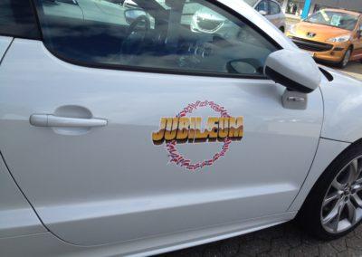 jubilæumsmærke på bil